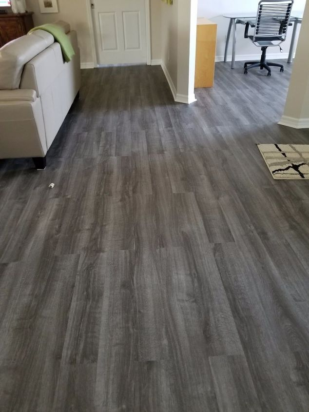 Would Painted Grey Walls Compliment, What Color Laminate Flooring With Grey Walls