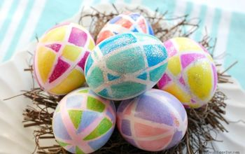 easter egg decorating idea using sharpies rubberbands