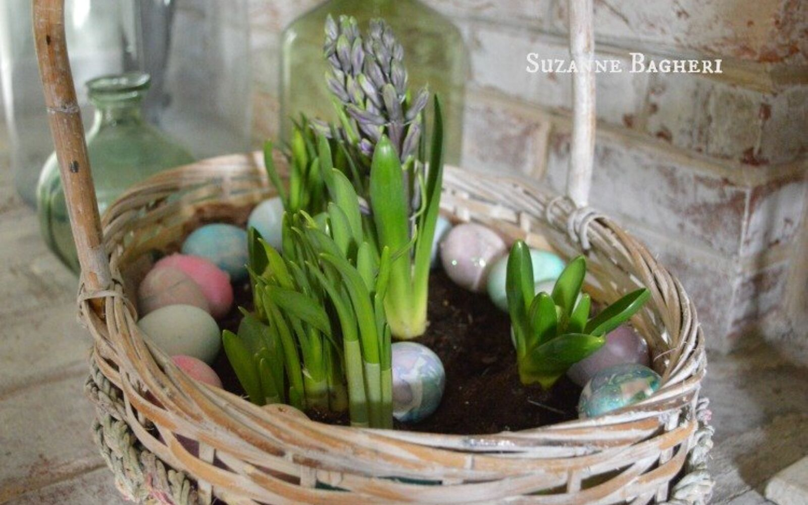 s the cutest ways to decorate your front porch for easter, Spring Basket Bulb Garden