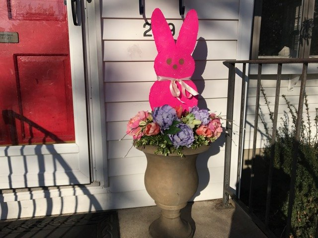 s the cutest ways to decorate your front porch for easter, Giant Peeps Topiary