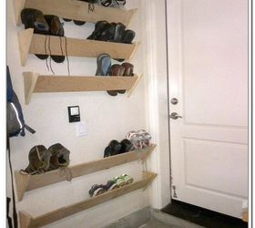 I Like The Simple Look Of This Shoe Rack, Built On The Wall.