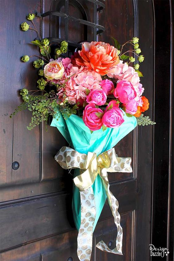 s check out these 15 beautiful flower ideas for spring, Easy and Bright Door Decor