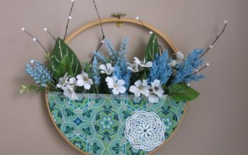 No-Sew Wall Pocket Wreath With Flowers