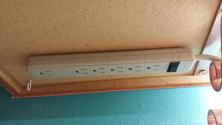 how to install a power strip