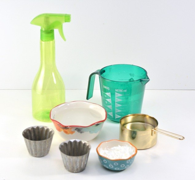 Ingredients for Homemade Glass Cleaner