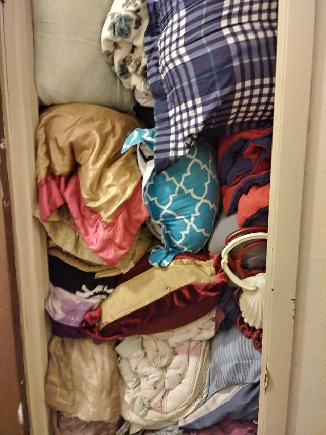 q any ideas on organizing this closet