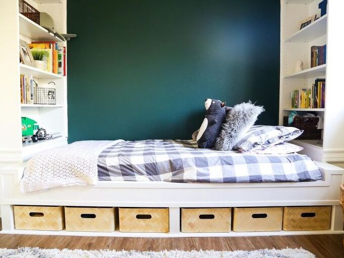 diy build in daybed with bookshelves