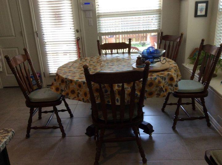 q what size round rug under my round table