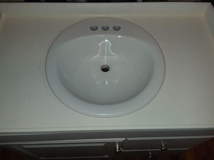 glitter bathroom counter