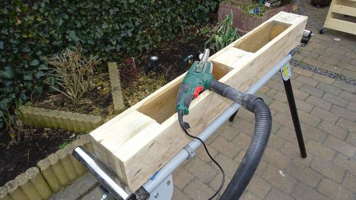 a diy pallet wine rack with led lights a free plan