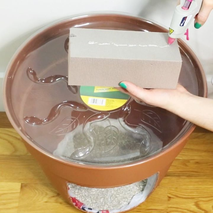 how to hide a litter box