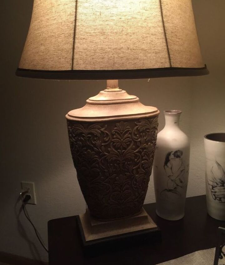 q want to know how to paint a lamp lamp shade to match color scheme