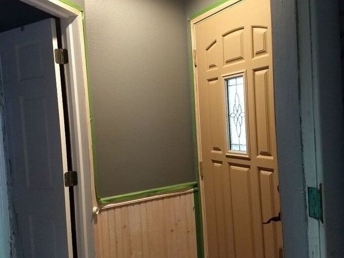 q is painting a small room ceiling and half walls 1dark color a no no