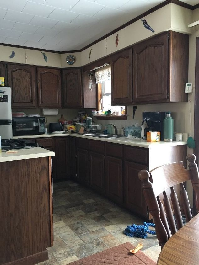 What would be best color to paint to make kitchen look - Paint colors to make a room look bigger ...