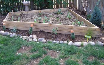 DIY Backyard Garden Raised Bed