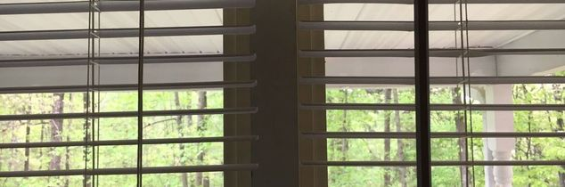 q how to attach a divider between windows and mini blinds