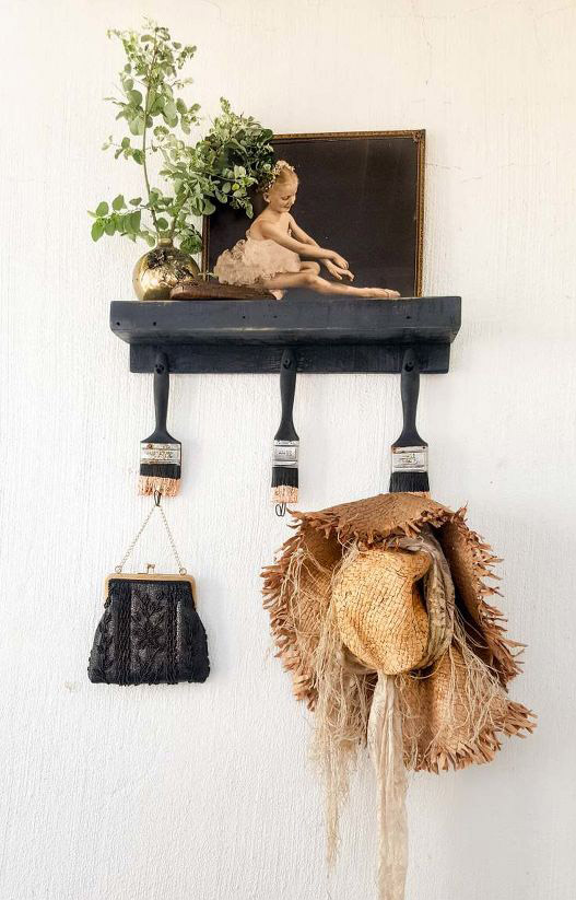 s 15 clever repurposing ideas that will add some creativity to your home, These pretty paint brush hooks