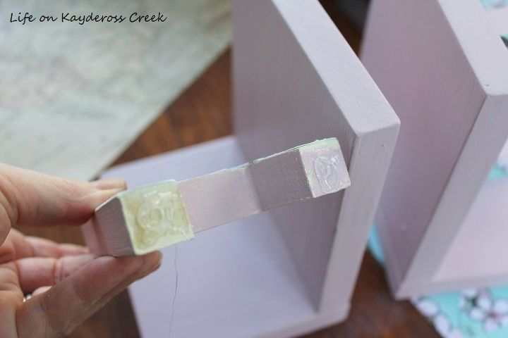 how to make personalized bookends easy and budget friendly