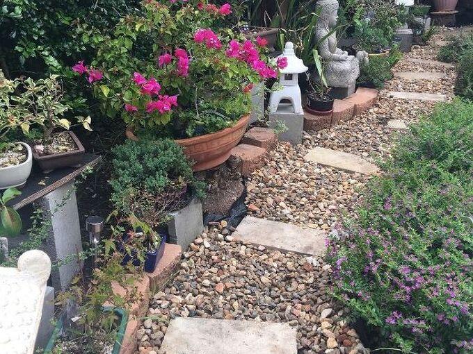 making a tiny garden