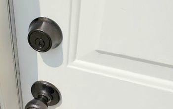 10 Easy Ways to Fix Your Old Door in Under an Hour