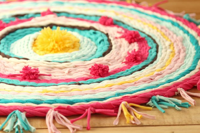 s 15 ways to spice up your floors, T shirt and Hula Hoop Rug