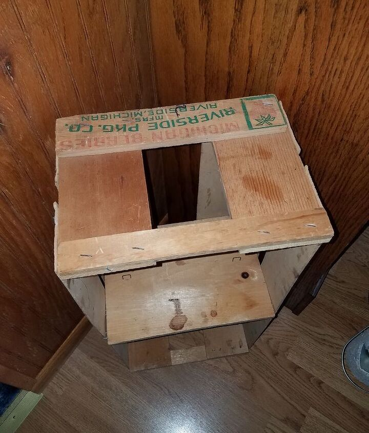 q old strawberry crate
