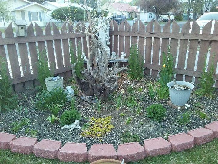 q landscape bricks for corner flower bed
