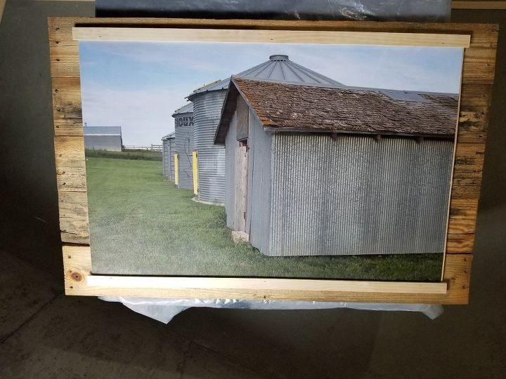 farmhouse pallet wall decor