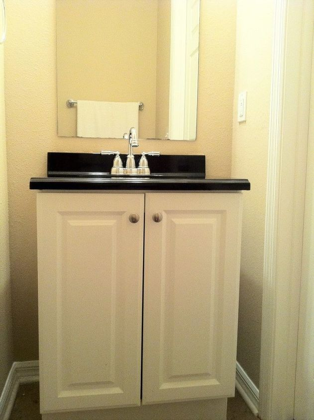 you need to see this makeover of my half bathroom