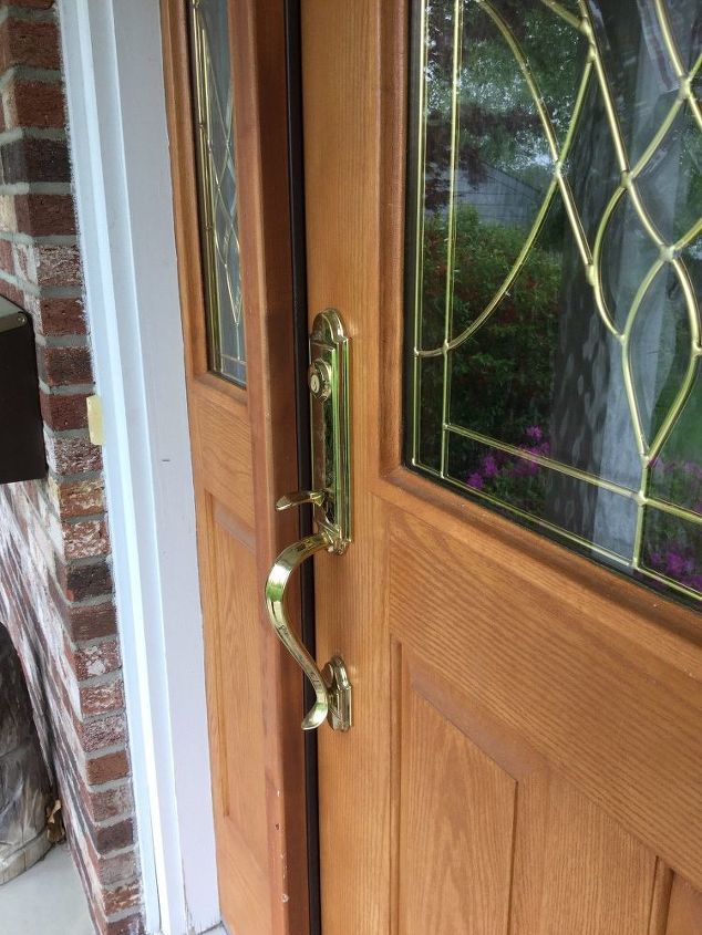 q installing a screen door on a front entrance door