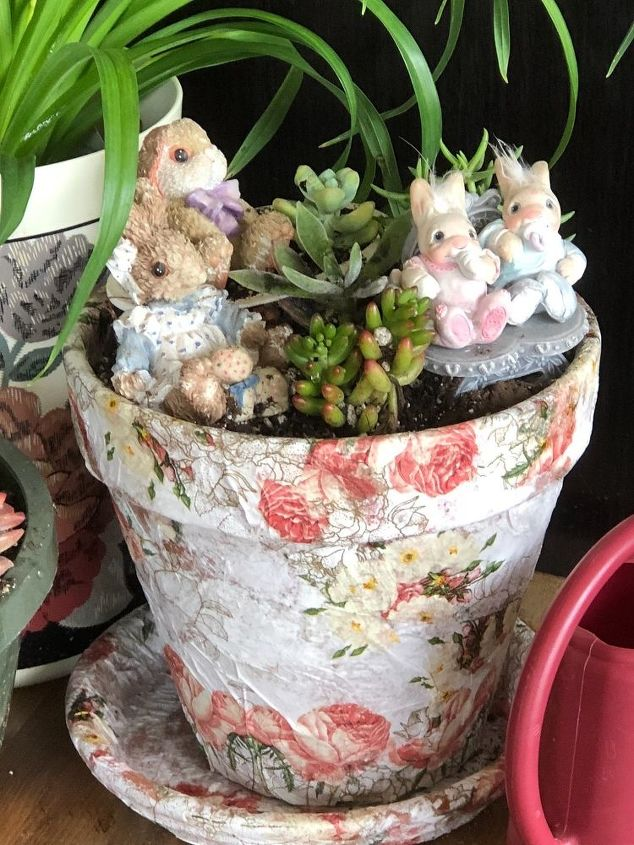 boring flower pot to beautiful bunny garden