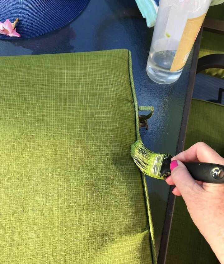 patio cushion rehab with paint