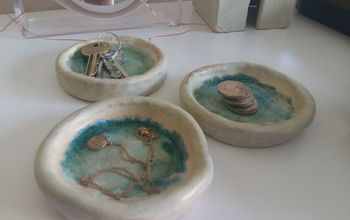 Pretty Ceramic Dishes With Glass