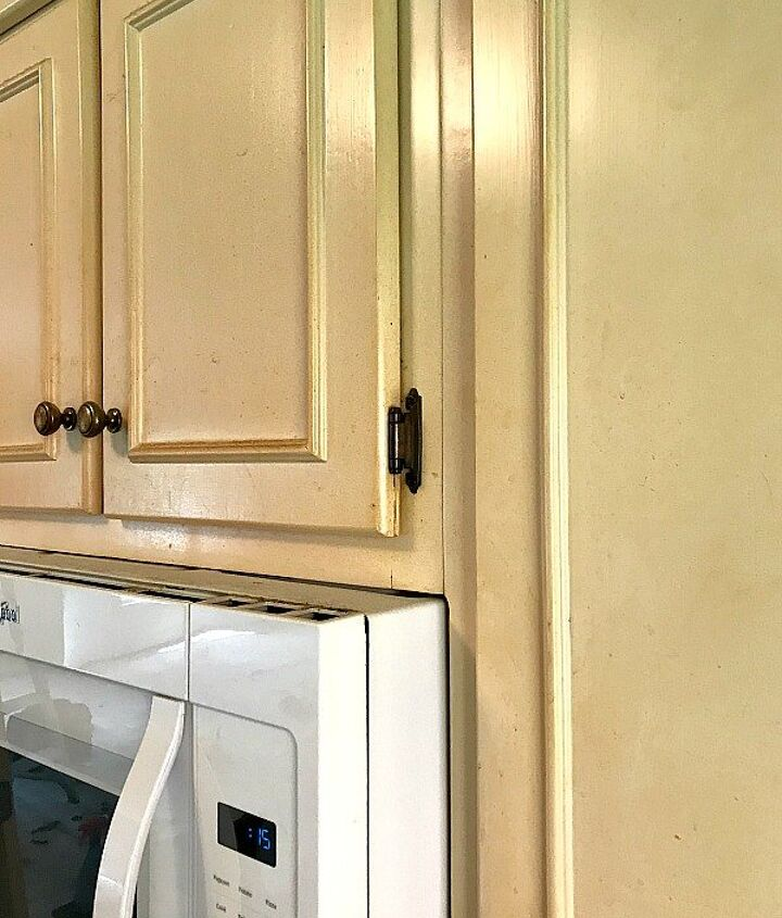 painting a nicotine stained kitchen