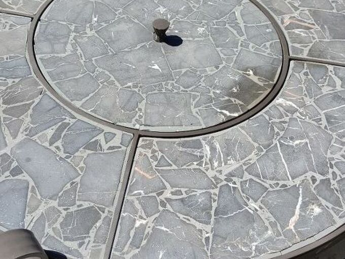 q can i paint a granite outdoor table