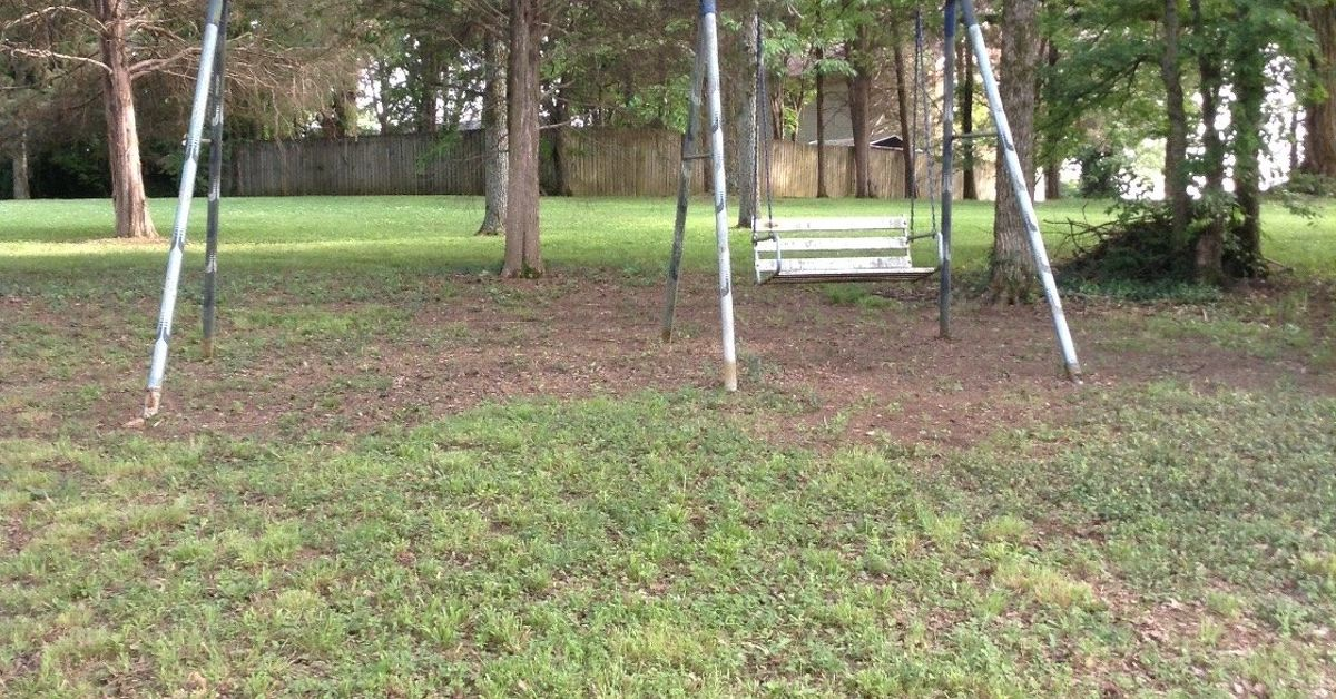 Should I brush or spray paint a 25 yr old swingset frame? | Hometalk