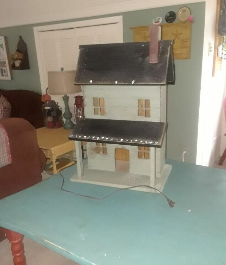 q upcycling wooden house