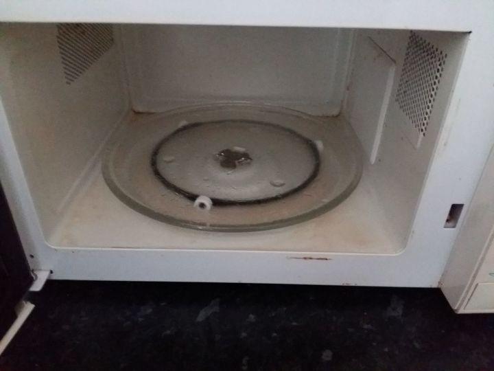 microwave cleaning hack using vinegar