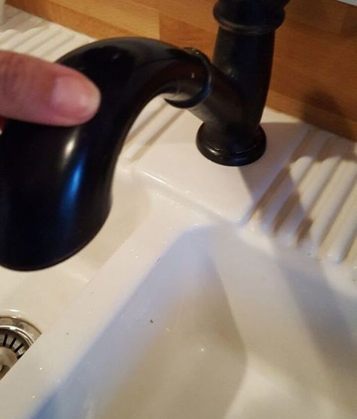 q help have a kitchen sink faucet that will not stay secure