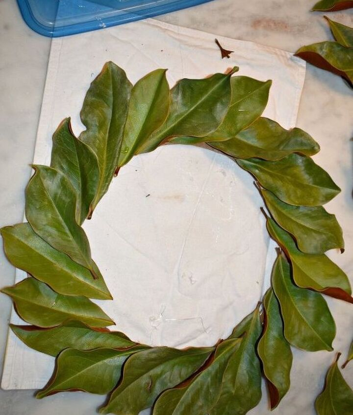 diy 15 dried magnolia wreath