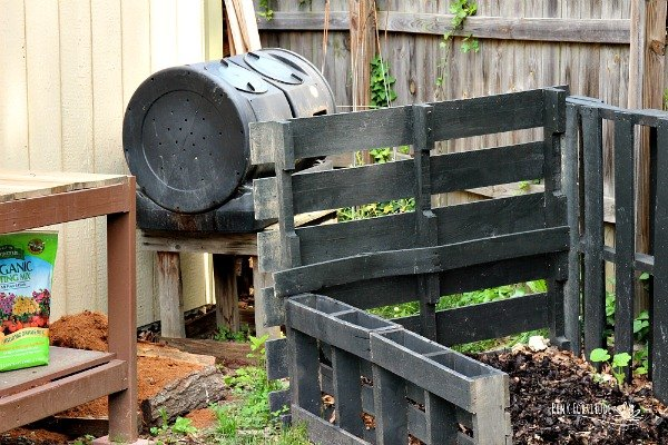 how to make a compost bin with pallets