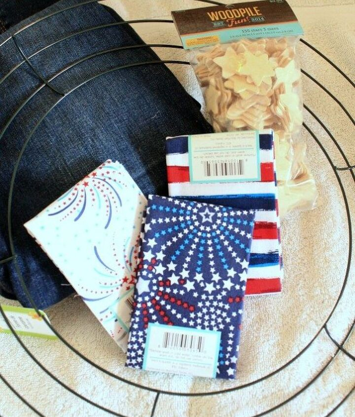 an easy patriotic wreath from an old pair of jeans
