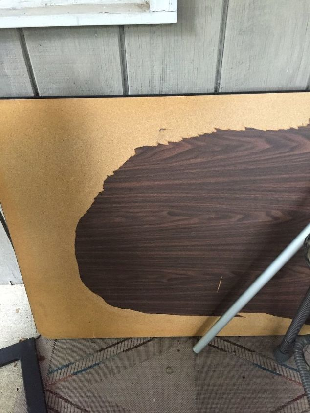 q can you paint the fiber board top to a folding banquet table
