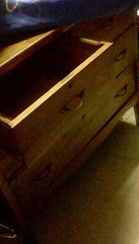 q how to remove oder from old wood chest