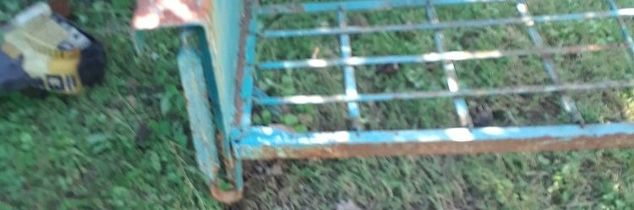 q i have a metal glider that has rust on it and the paint is chipping of