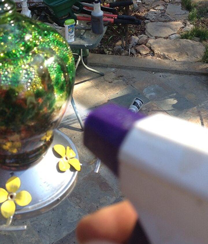 easiest way to get rid of ants on feeders
