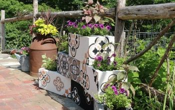 HOW TO STENCIL CINDER BLOCK PLANTERS