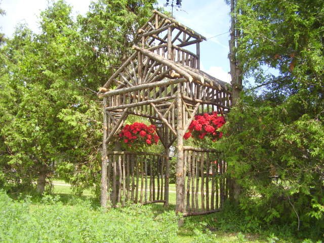 s 21 pieces of furniture that diyers made from scratch, This Rustic Arbor