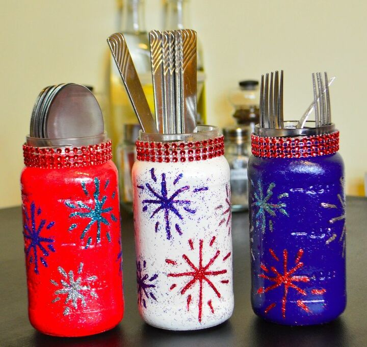 s 18 fun ways to add glitter to your home decor, Patriotic Cutlery Holder