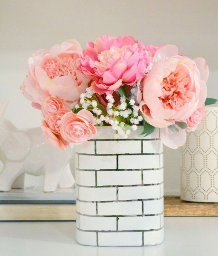 s 17 faux brick ideas for your home, Stunning Centerpiece Vase